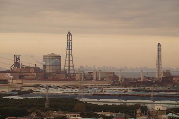 臨海工業地帯と東京都心