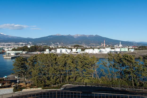 田子の浦みなと公園から眺める愛鷹山