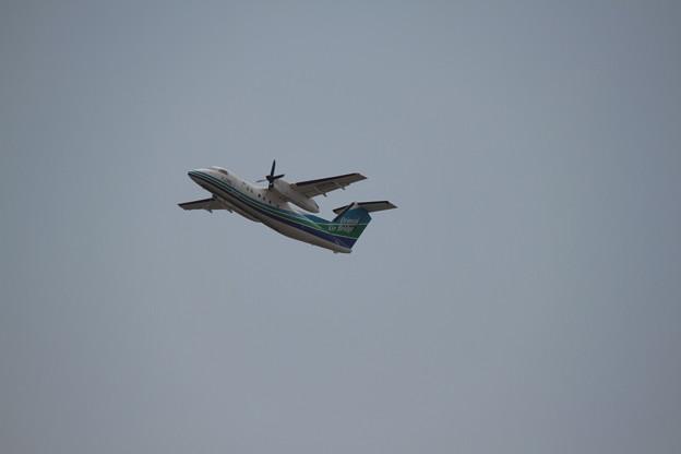177 5月2日 長崎県 長崎空港 展望デッキ オリエンタルエアブリッジ DHC-8 JA801B