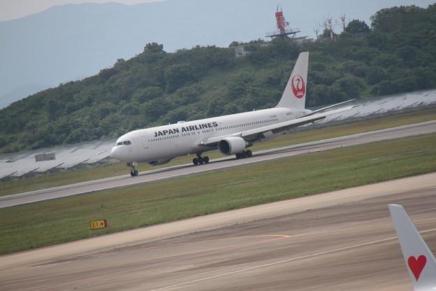 186 5月2日 長崎県 長崎空港 展望デッキ JAL B767 JA655J