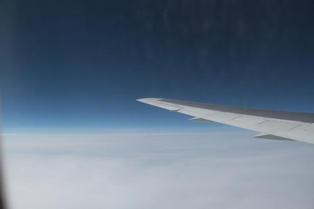 189 5月2日 羽田行搭乗便窓から JAL B767 JA655J
