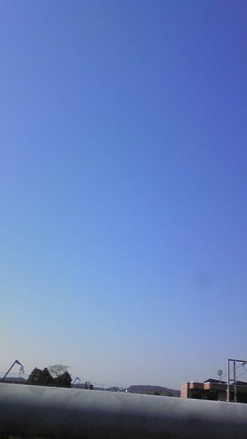 いい天気です。まずは最寄り駅から宮崎駅、そして高速バスです。