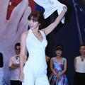 写真: 妖艶『柳岩』妖艶衣服で靴をあつらえ・・・(笑) (4)