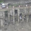Photos: 成都 暴風雨で地面が陥没した駐車場 (5)