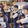 Photos: 高鉄小姐 集団ダンスでサービス? たぶんにヤラセくさい(笑) (1)