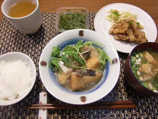 Photos: ぶりの揚げおろし煮&ごぼうとれんこんの甘だれ絡め&セロリと燻製イカの和え物♪の定食