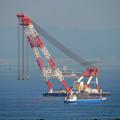 写真: クレーン船:富士