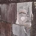 写真: 平和の塔にある例の南京の石2