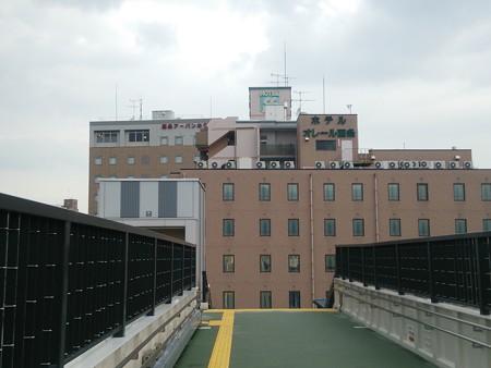 駅前のホテル
