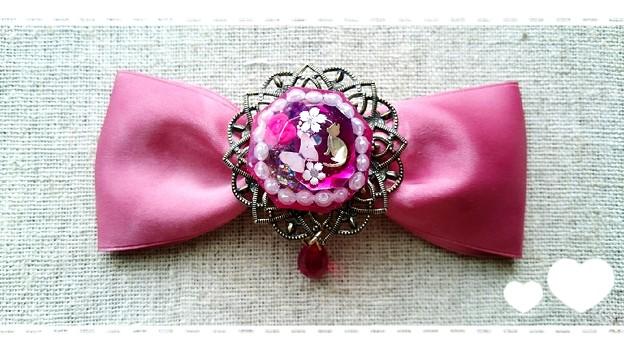 Photos: 【ハンドメイド】猫とお花の宝石リボンヘアクリップ*ピンク(赤)