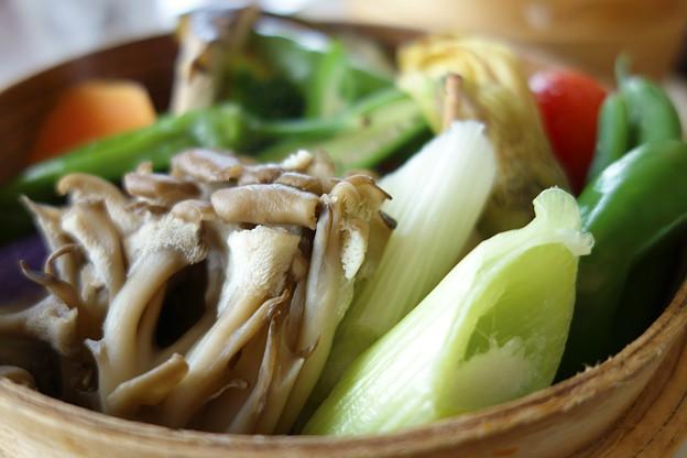 旬の地場産野菜のせいろ蒸し