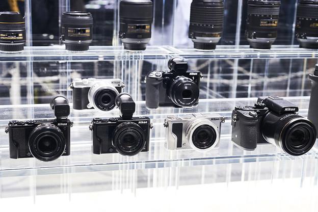 Nikon DLシリーズ