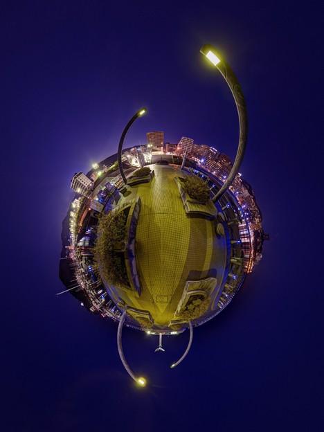 写真: 熱海市 親水公園 ムーンテラス 夜景 Little Planet(2) HDR