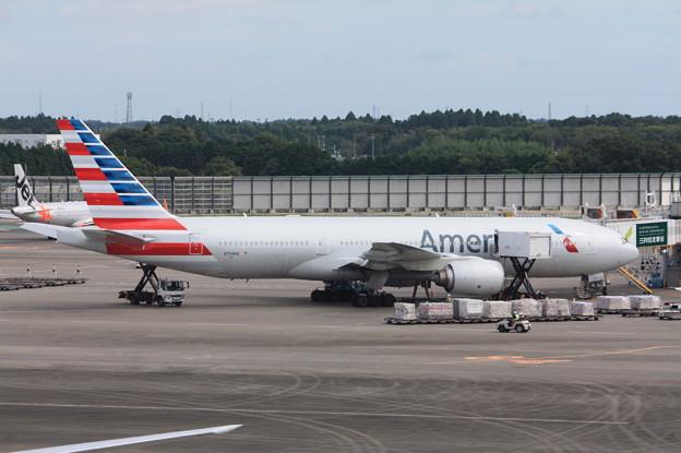 アメリカン航空 ボーイング777-200 N758AN