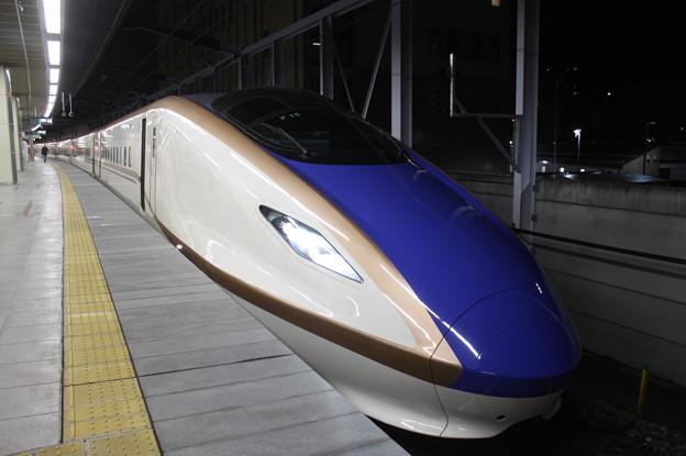 北陸新幹線 E7系F16編成