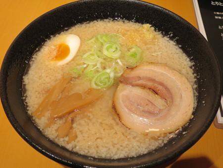 麺ぐるい 高田本町店 せあぶらラーメン(背脂多め、中太ちぢれ)¥700