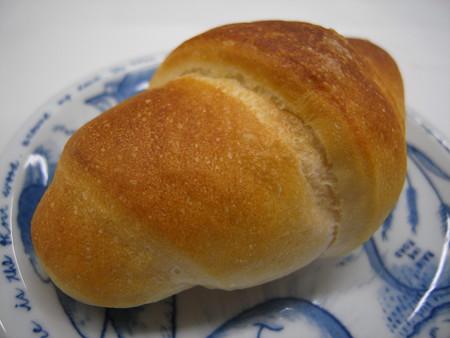 デイリーヤマザキ 塩バターパン アップ