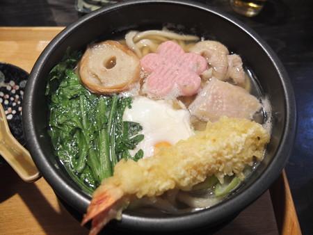 讃岐うどん房 鶴越 鍋焼きうどん(冬季限定)¥980