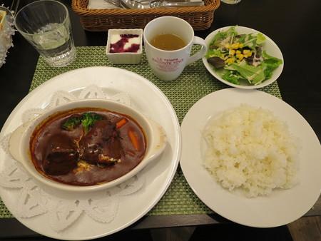 Cafe Restaurant Buono(ブォーノ) 牛スネ肉の煮込み(ランチセット、ライス)¥1350