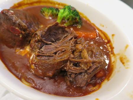 Cafe Restaurant Buono(ブォーノ) 牛スネ肉の煮込み 断面の様子