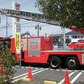 写真: いわきサティで消防車の展示を