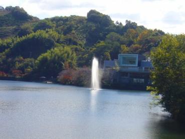 Photos: 砥部大池の噴水