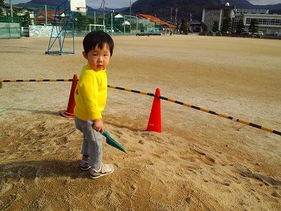 Photos: 砂場の倖君