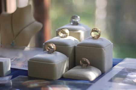 山本亭 ウィンドウの指輪