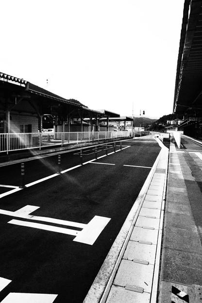 気仙沼 BRTホーム 白黒撮影