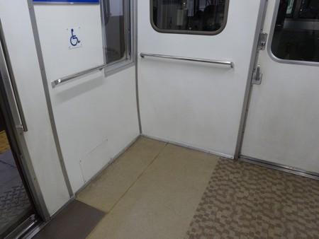 l68-車いすスペース