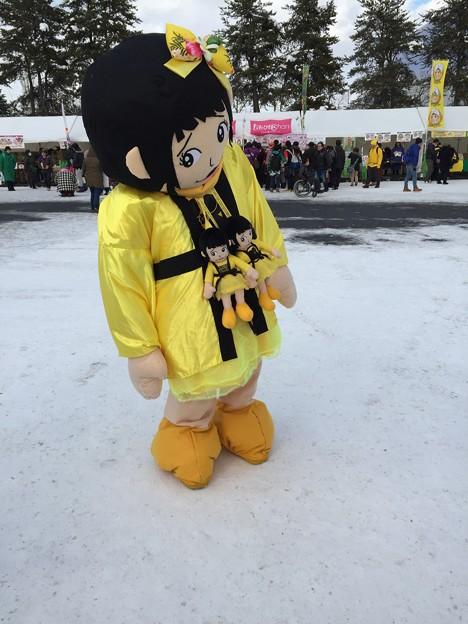 写真: 巨大しおりん人形w