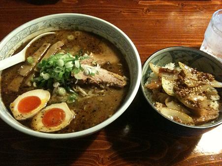 たけ蔵 合わせ味噌+チャーシュー丼