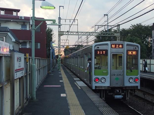 京王線代田橋駅1番線 都営10-230F各停桜上水行き停止位置よし