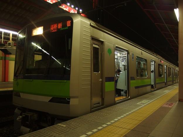 都営新宿線船堀駅1番線 都営10-410F各停新宿行き