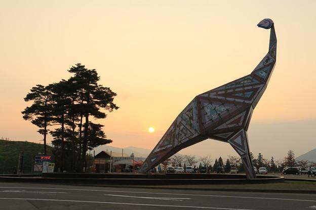 夕日と恐竜