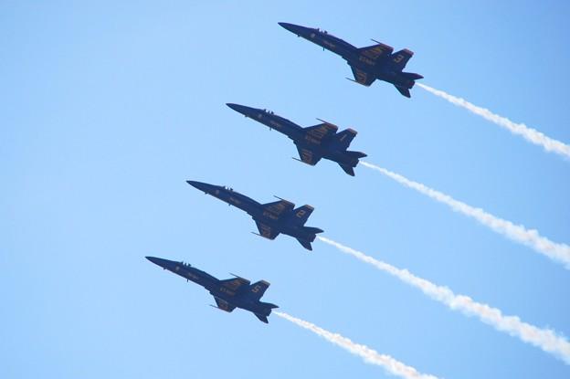 Photos: Blue Angels Line-Abreast Loop 9-5-15