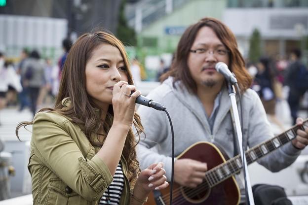 Photos: LONO新宿ストリートライブ BED74C1500