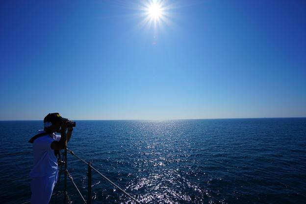 太陽と大海原と水兵さん。
