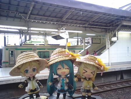 リン:「仙台駅に到着なう!」 ミク:「おなか空きましたね」 レン:...