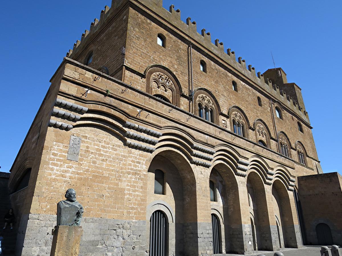 ポポロ宮殿