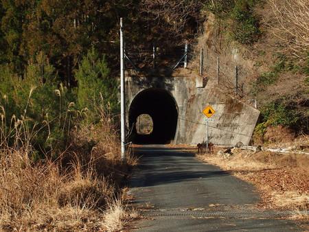 夏焼トンネル