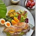 Photos: 柿と生ハムのサンドイッチ