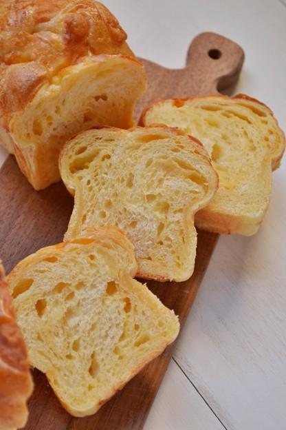 チェダーチーズの折り込みパン@酒種