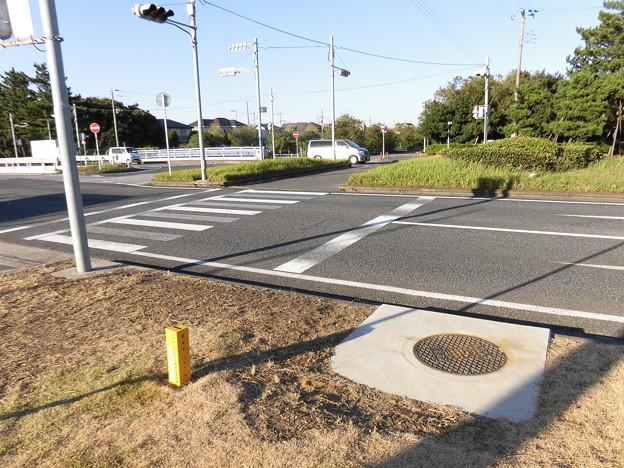 遮断弁、石油パイプラン埋設位置標識 NAA成田国際空港