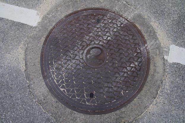 s5930_沖縄電力マンホール