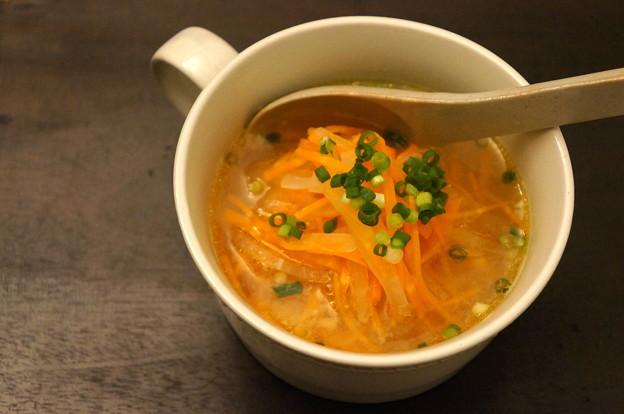 写真: 千切り野菜のじんわりスープ