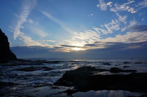 Photos: 江ノ島からの日の出1
