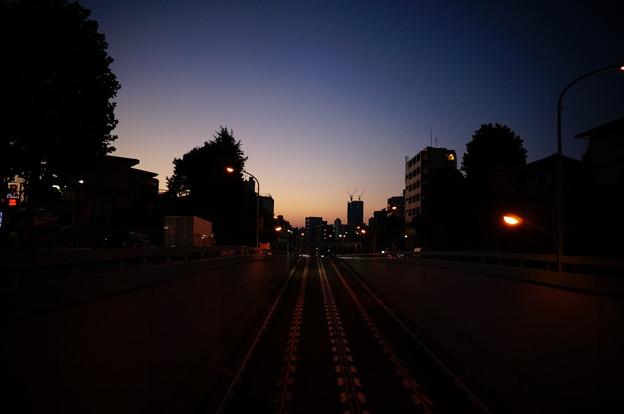 陸橋から日の出前