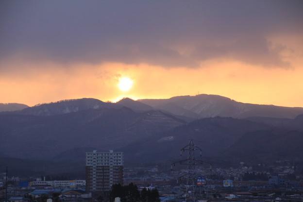 Photos: 朝陽が顔を出す!