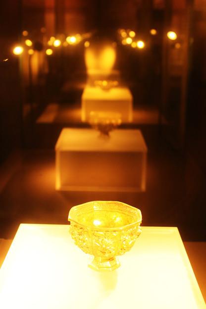 Photos: 黄金の器